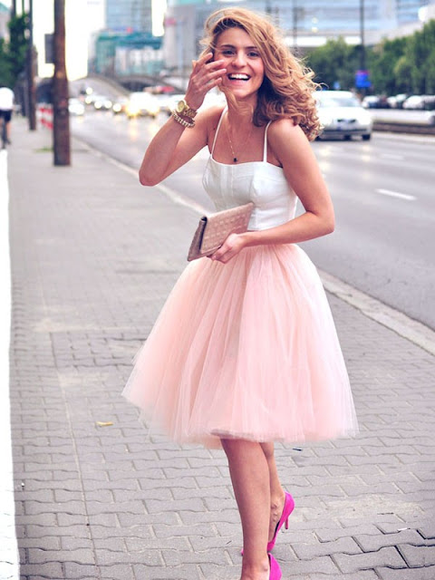Two Piece A-line Sweetheart Tulle Ruffles Knee-length Trendy Prom Dress