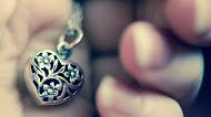 Love heart pendant necklace   Mood ukraeshnie accessory