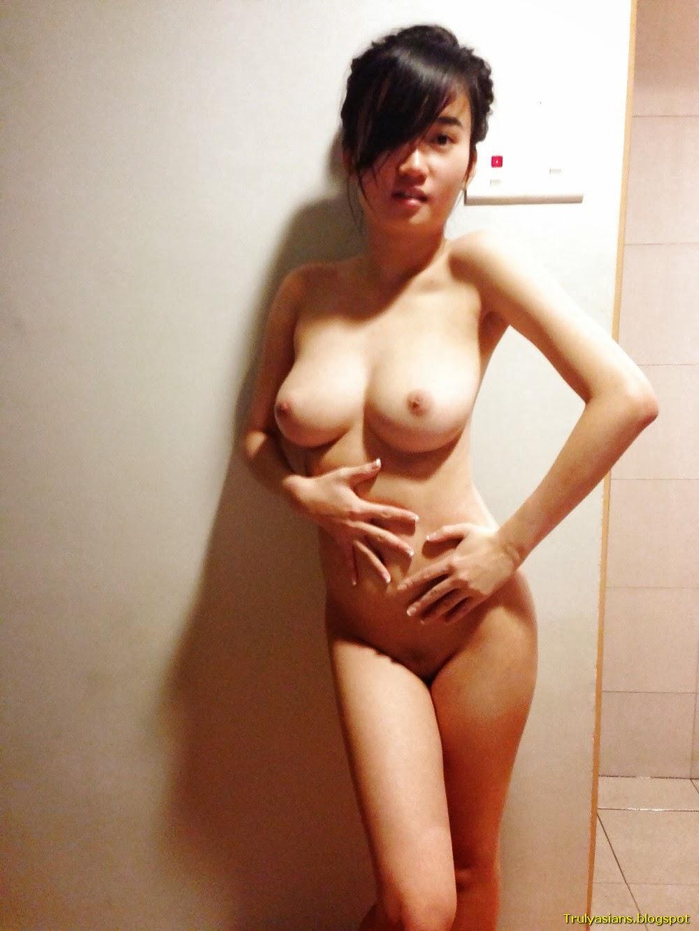 Naked Singapore Babes