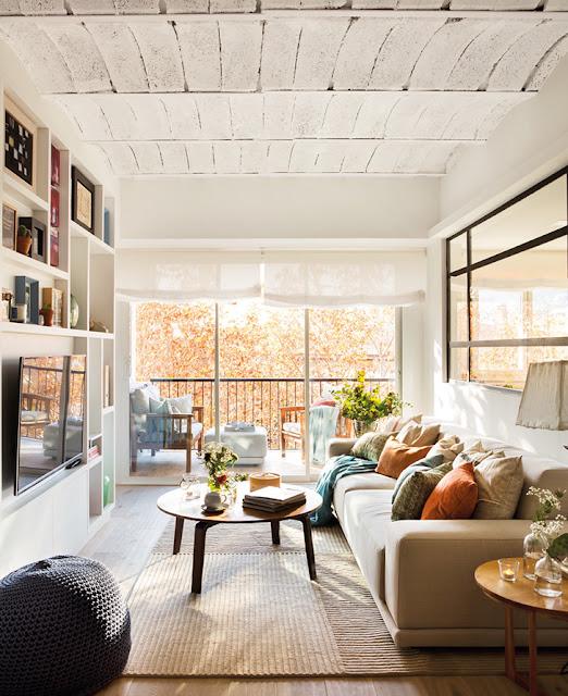 Apartament de 60 m² umplut cu visurile unui cuplu tânăr din Barcelona