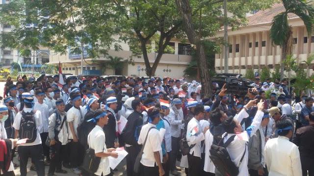 Massa Mahasiswa Unismuh Dikoordinir Langsung Oleh Rektor