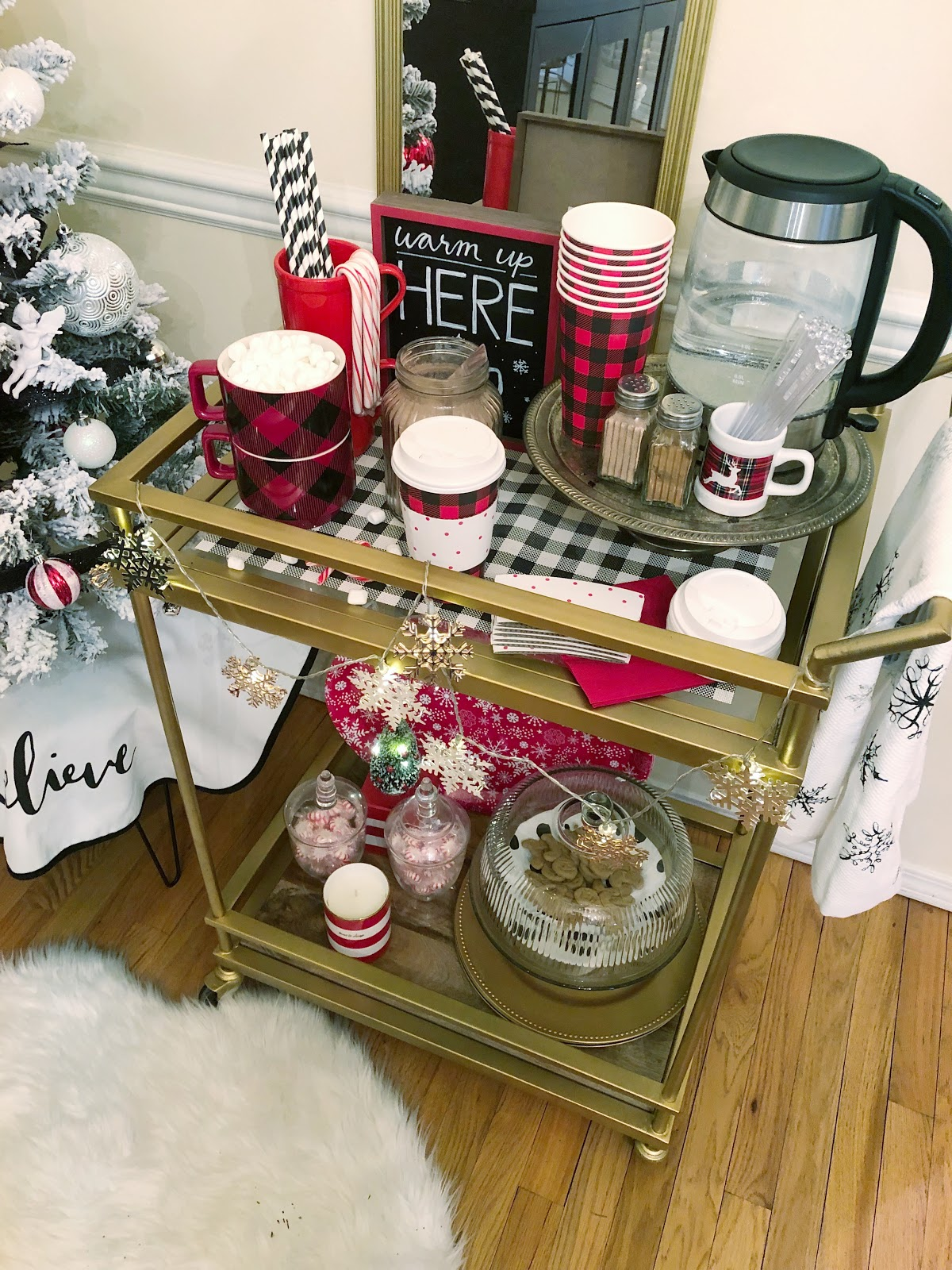 5 things that every hot cocoa bar needs
