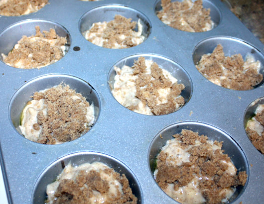 Easy apple and cinnamon muffins by Laka kuharica: spoon batter into greased or lined muffin cups