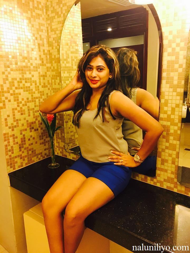Piumi Hansamali legs hot photos