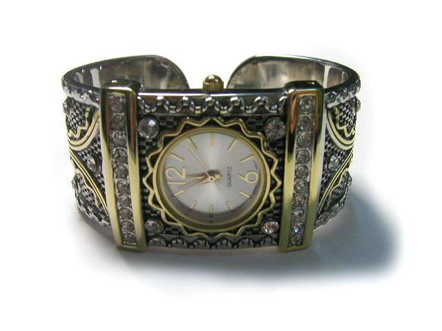 Hot Sale Lady Bangle Watch!