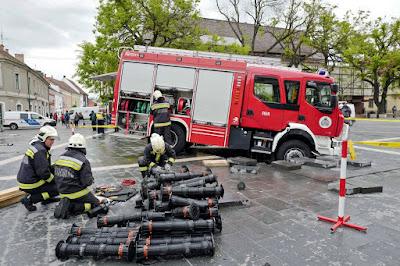 tűzoltóság, katasztrófavédelem, Eger, Dobó tér,