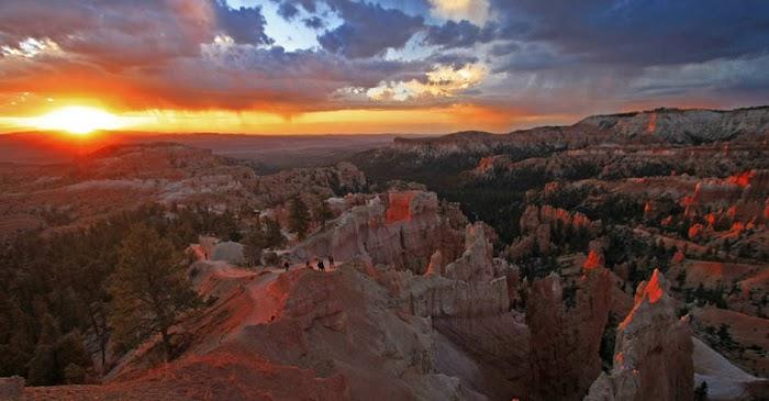 Sunset park in Bryce Canyon Amazingexplore of tourist destination attraction