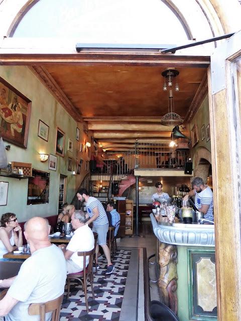 Marsella, Bar de la Marine escena Love Actually