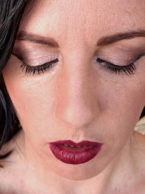 eye shadow with dark corners & red lips, Jill Suzanne makeup artist