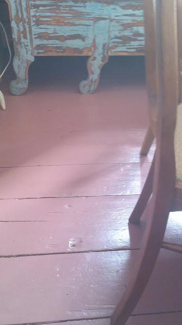 vanhat lankut lattia punainen sävy