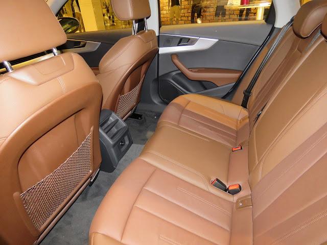 Audi A4 Attraction 2017 - espaço traseiro