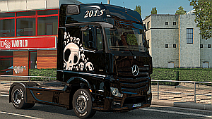 Skull skin for Mercedes MP4