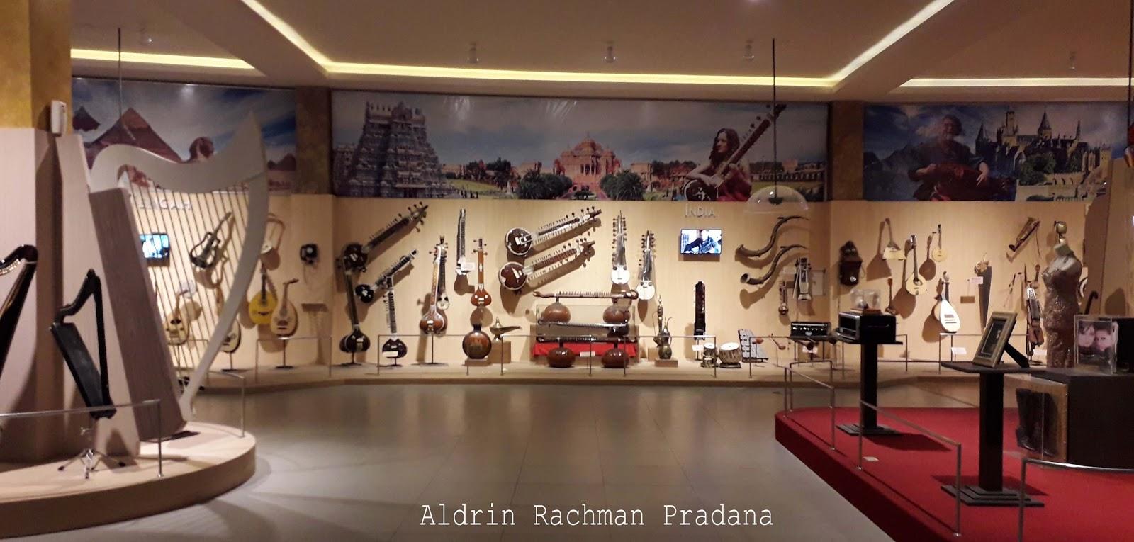 Galeri Musik Dunia Memorabilia Dan Destinasi Wajib Bagi Pecinta