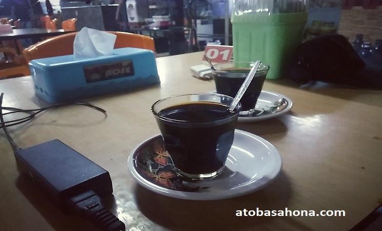 Fenomena Warung-warung Kopi di Manado