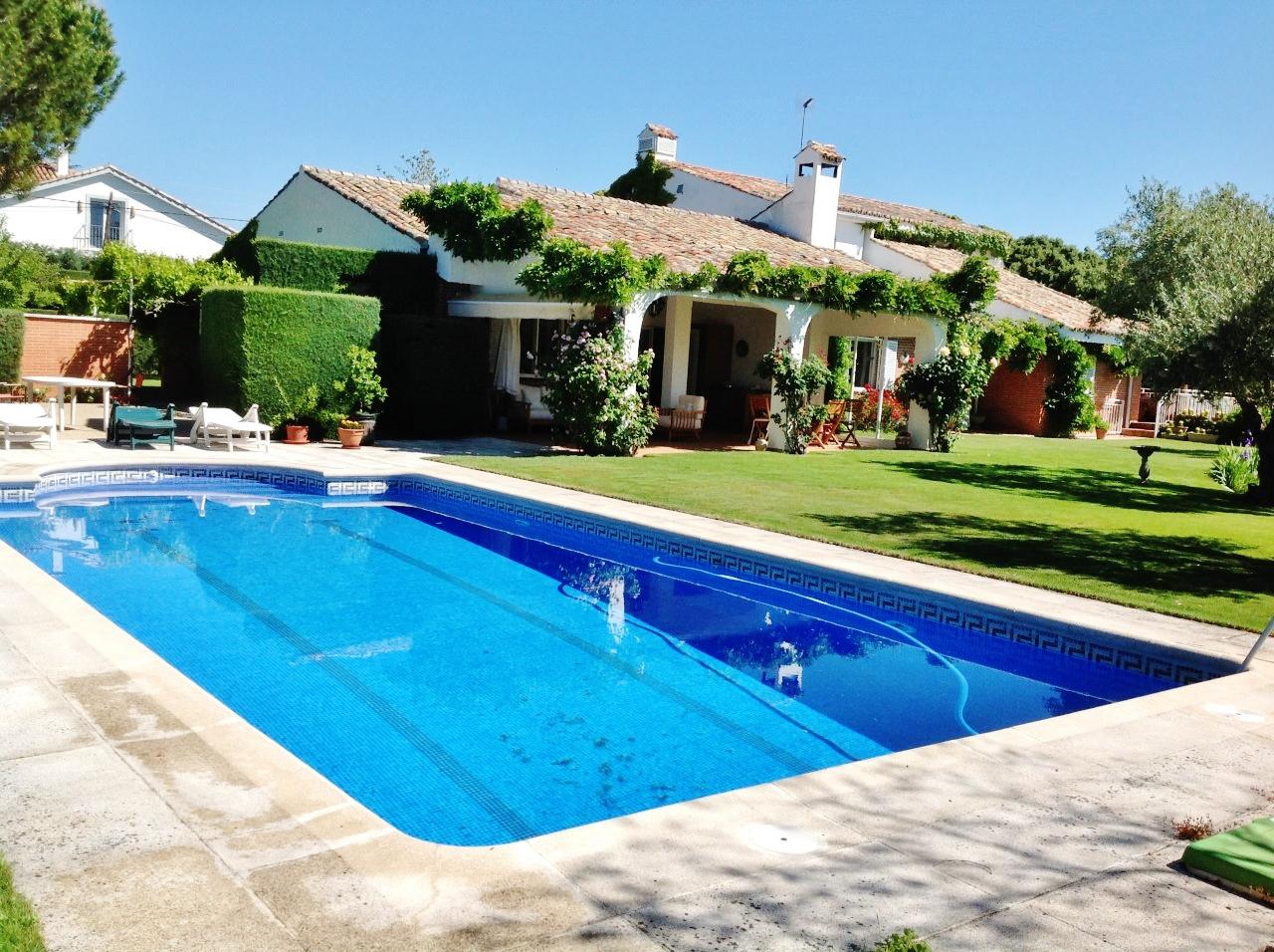 Casas y pisos en venta madrid gr re max cl sico servicios for Calle prado panetes 10 guadalix de la sierra