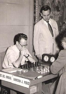Partida de ajedrez Francisco José Pérez vs. Díez del Corral, aparece Lorenzo Ponce Sala