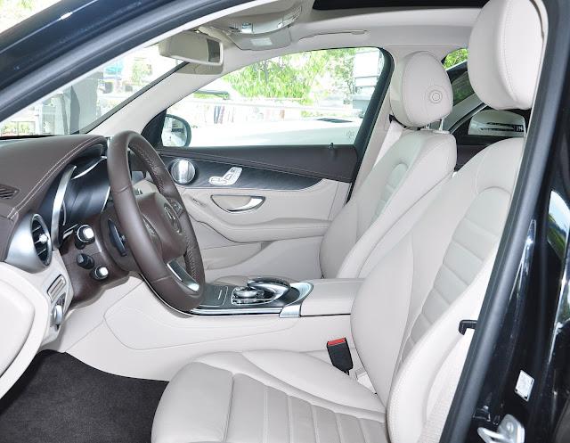 Khoang nội thất Mercedes GLC 300 4MATIC thiết kế rộng rãi