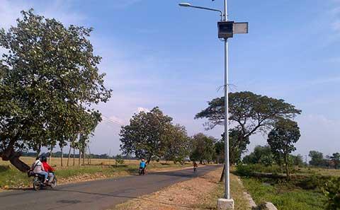 lampu penerangan jalan umum majalengka rusak