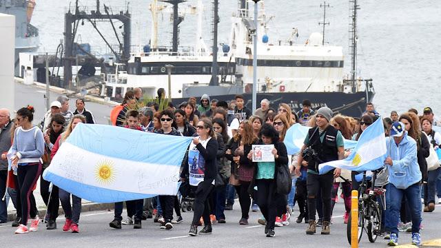 """Armada argentina informa que """"no hay novedades"""" y sigue buscando al submarino desaparecido"""