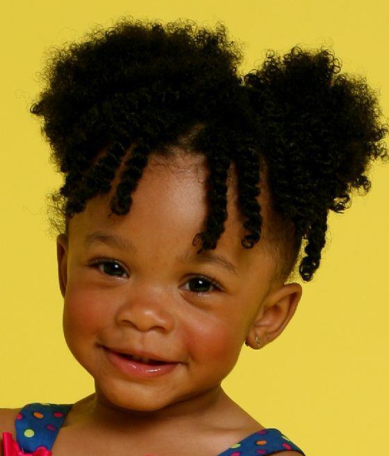Cuidado del cabello rizado en bebes