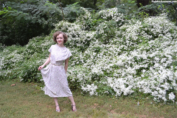 Flashback Summer: Florals Always Go - vintage 1940s dress