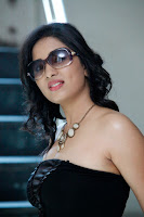 HeyAndhra Actress Shrusti Hot Photo Shoot HeyAndhra.com