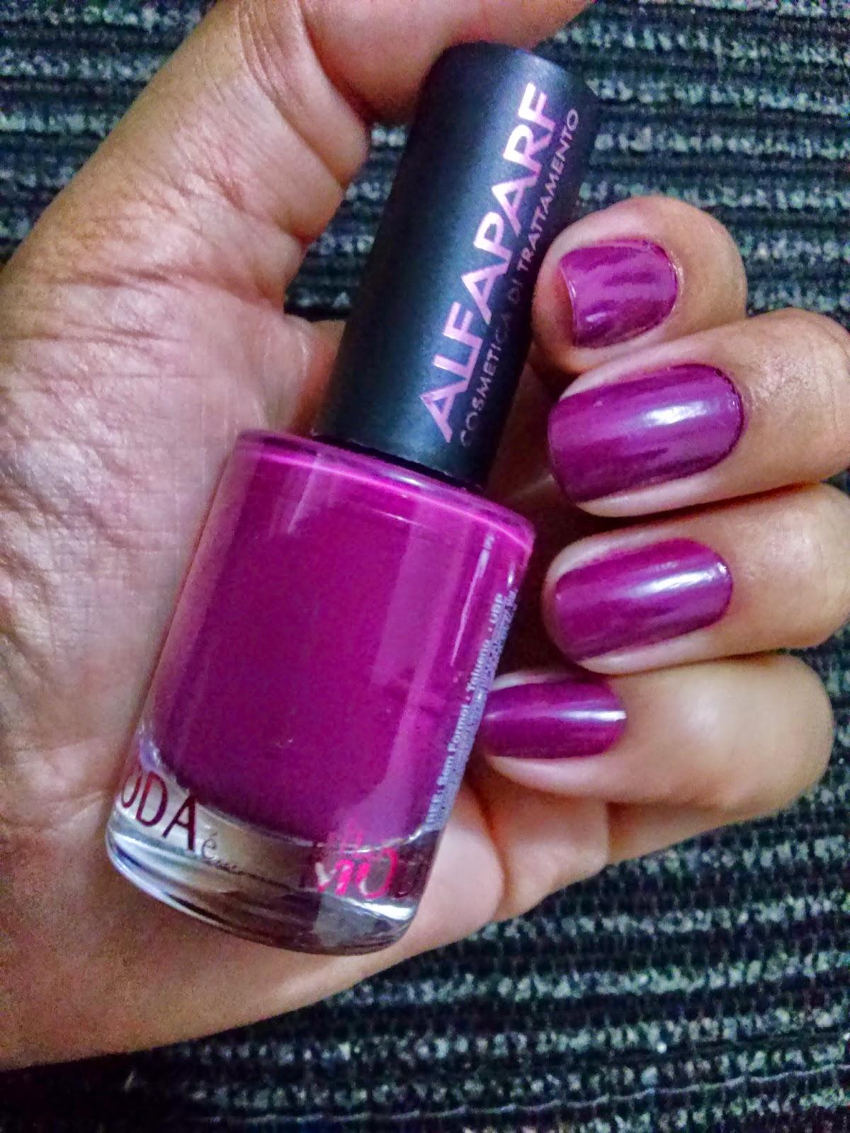 http://www.bonekinha-loira.blogspot.com.br/