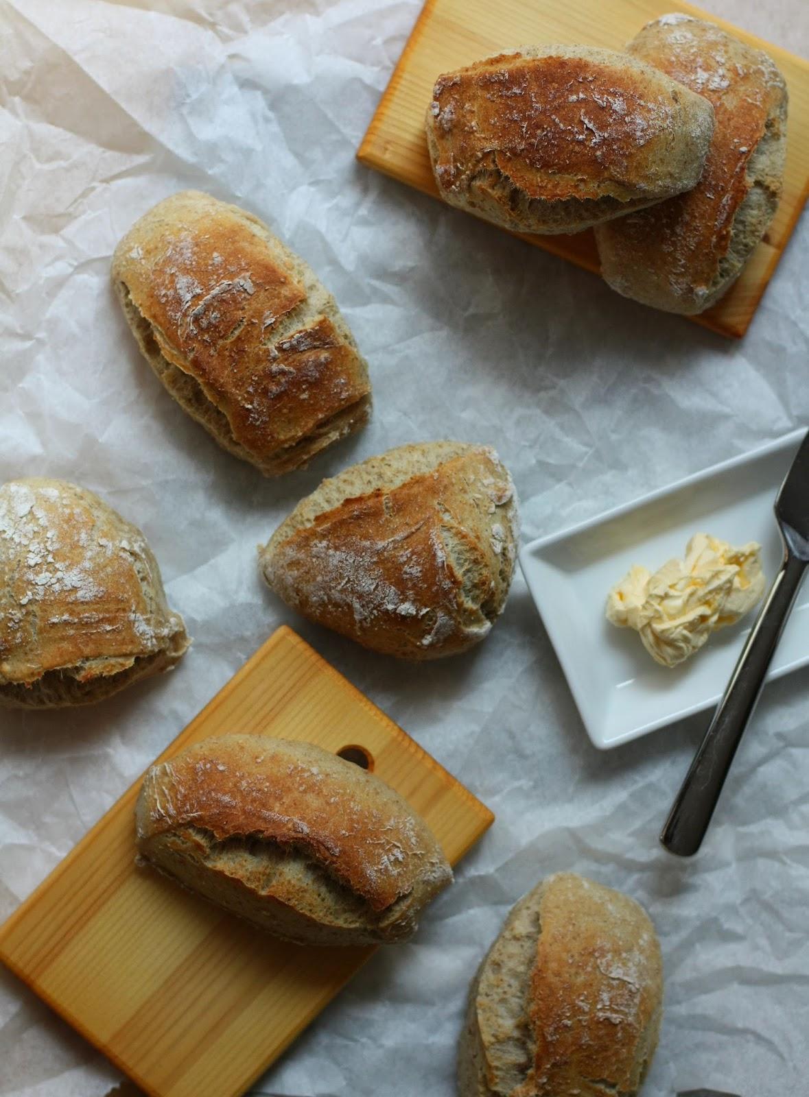 juurisämpylät sämpylät vehnäjuuri juurileivonta leipä mallaspulla