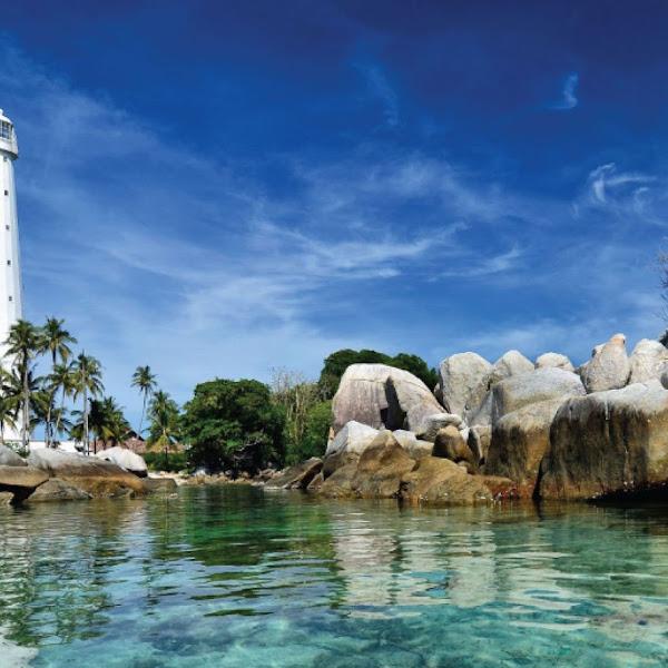 Belitung dan Wisata Pantai Dengan Bebatuannya Yang Indah