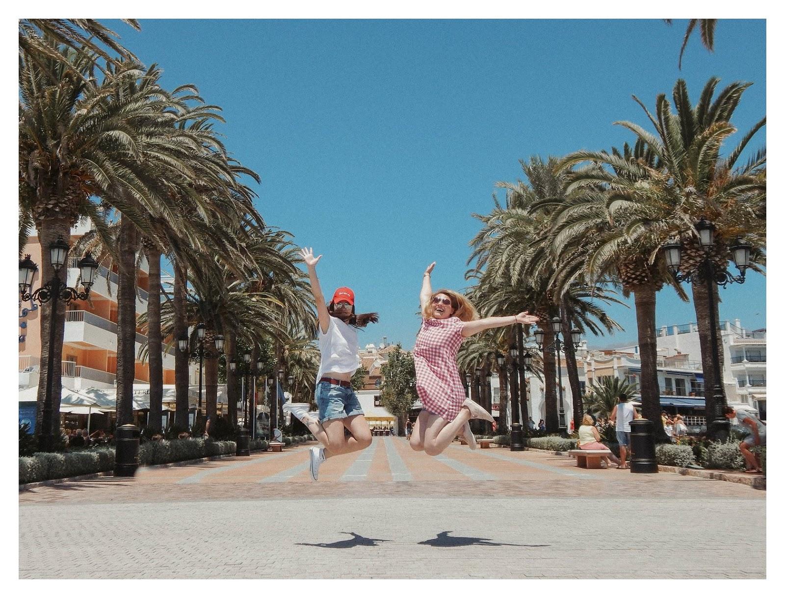 8 sukienka dziewczęca krata ubrania dla mam i córek krata różowa sukienka trapez 100% handmade polskie marki wspieram polskie nosze blog modowy melodylaniella fashion beauty style łódź nerja hiszpania zwiedzanie