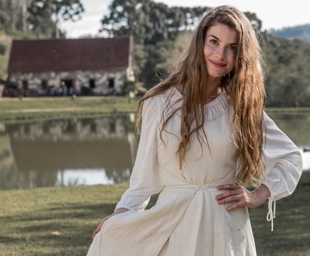 Novela Além do tempo, vestido Lívia (Aline Moraes)
