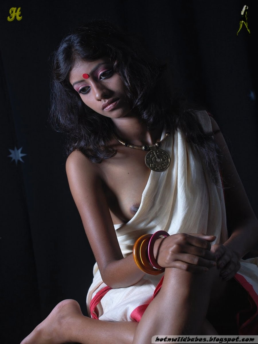 Bengali Babe Posing Nude In Traditional Bengali Costume -7138