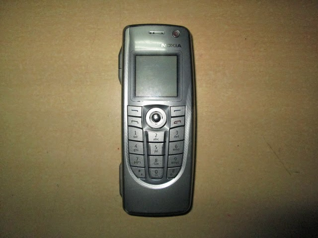 Nokia jadul 9300 communicator