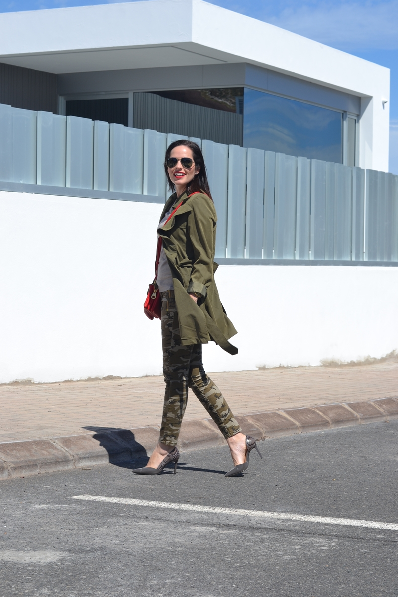 trench-outfit-street-style