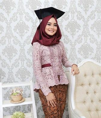 Foto Model Kebaya Muslim Untuk Wisuda