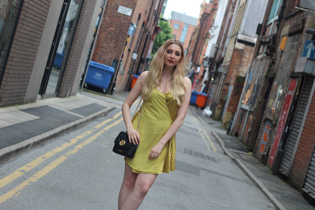 how to wear chartreuse colour blog