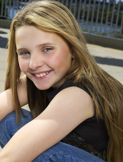 Hot In Celebrity Circles: Abigail Breslin Photoshoot - 2007 Gallery