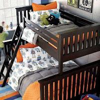 habitacion simple con cuchetas para niños