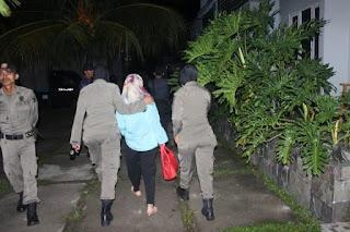 Di Padang, Dosen dan Mahasiswi Digerebek Dalam Kamar Hotel