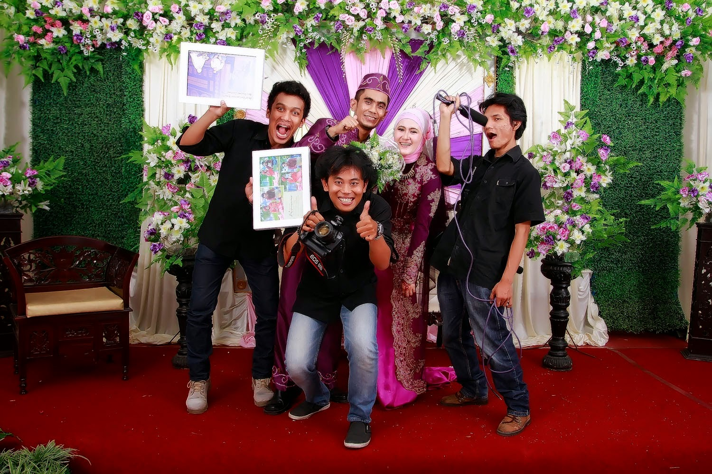 Fotografi Wedding Apa Bagaimana Memahaminya: TIPS JADI FOTOGRAFER WEDDING DENGAN INCOME TINGGI