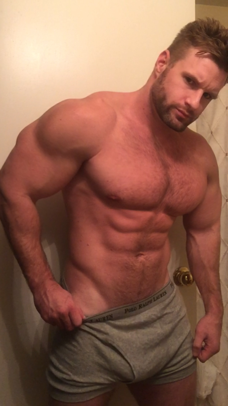 мускулистые парни латины дрочат - 14