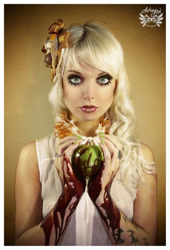 Сюрреалистические фотографии Dangerously Dolly 5