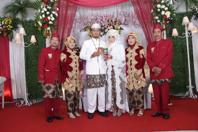 Jasa Video dan Foto Wedding Semarang HUBUNGI Bpk. Eko Novianto 0856.0003.0803 / 0856.4020.3369 (im3) /024 -764-844-13 (kantor) atau 0821.3867.4412 (simpati) | Wedding