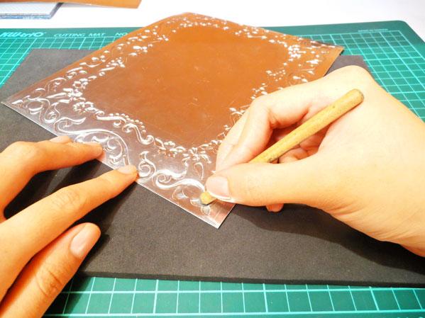 como aplicar textura al repujado fácilmente