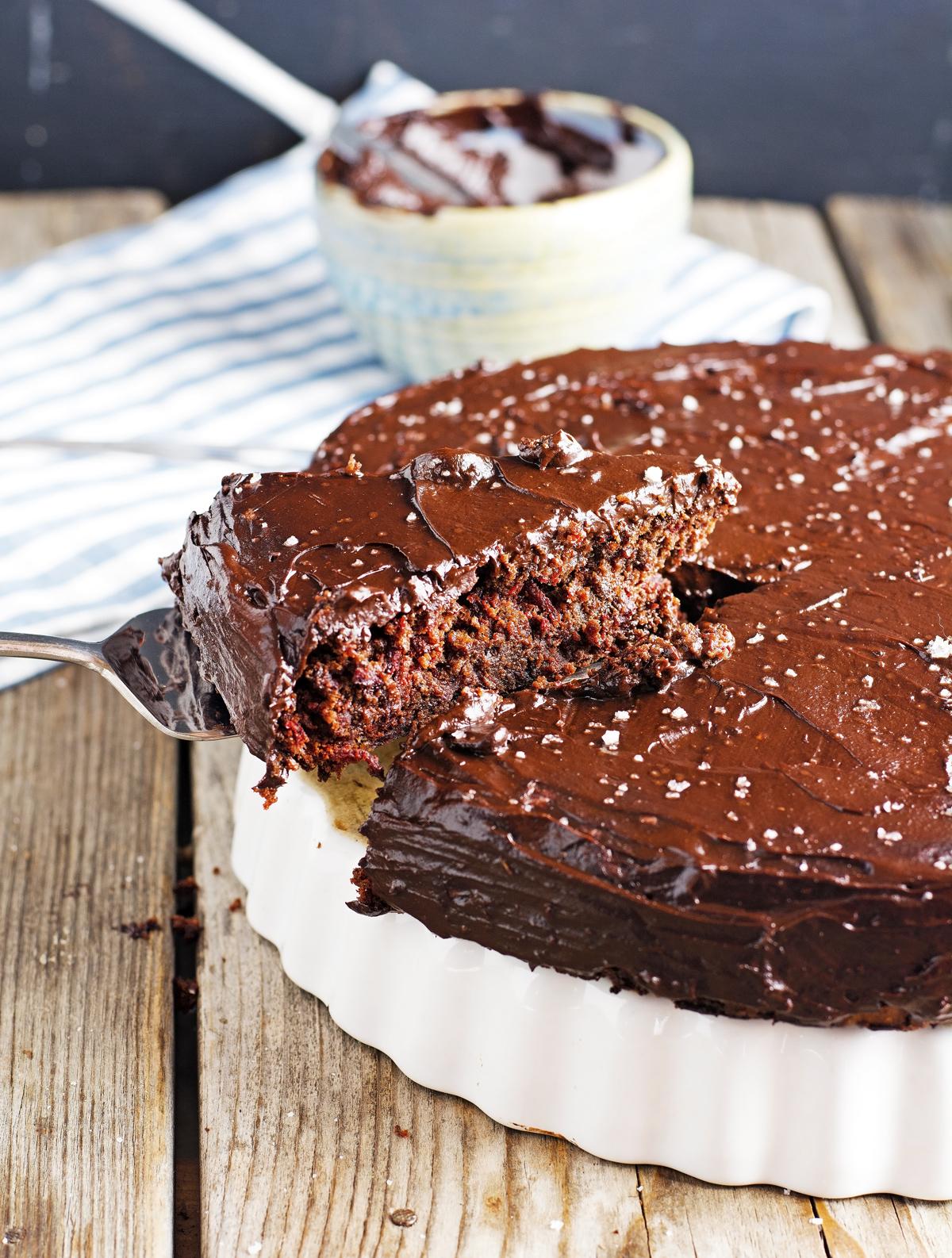 (Flourless) Chocolate Beet Cake with Chocolate Avocado Frosting