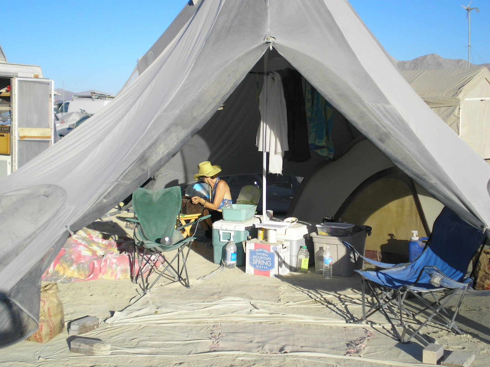 Four Bees: North Pole Shade Tent, Burning Man Shade Revisited!