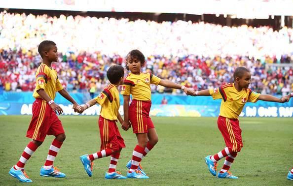 McDonald's leva crianças para Copa
