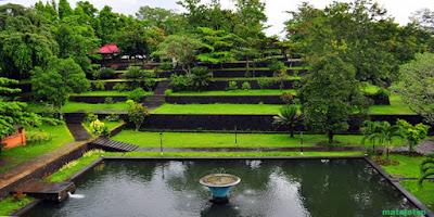 keindahan taman narmada di lombok