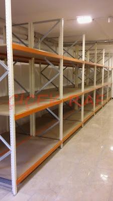 Tekstil sektöründe kullanılan depo raf sistemleri