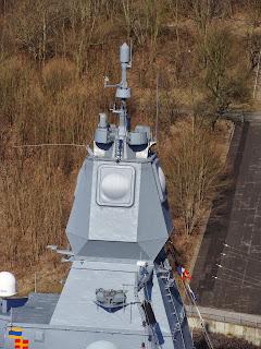 فرقاطة الدفاع الجوي اف 124 Mast%2Bfl1800